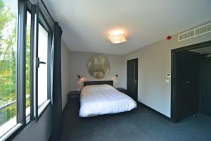 Hôtel Vierzon - Chambre blanche et grise